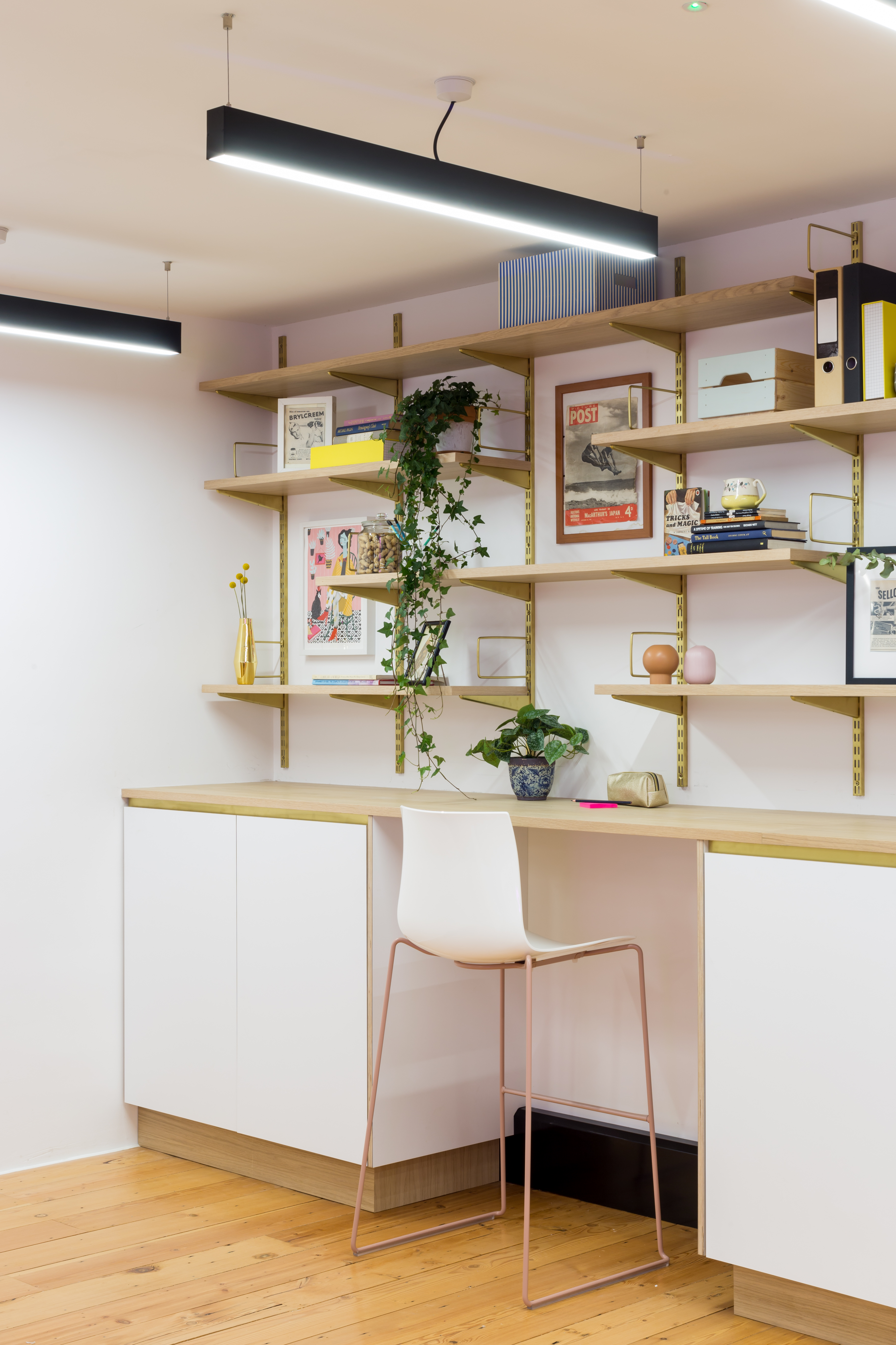 white scandi office decor