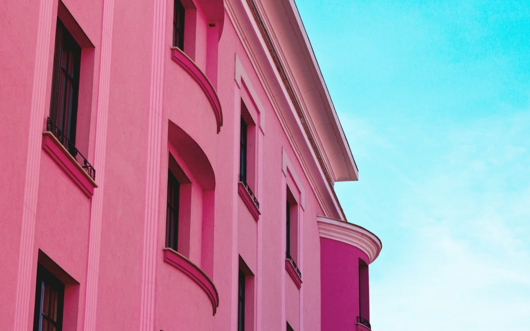 Top 10 Best Pink Instagram Accounts