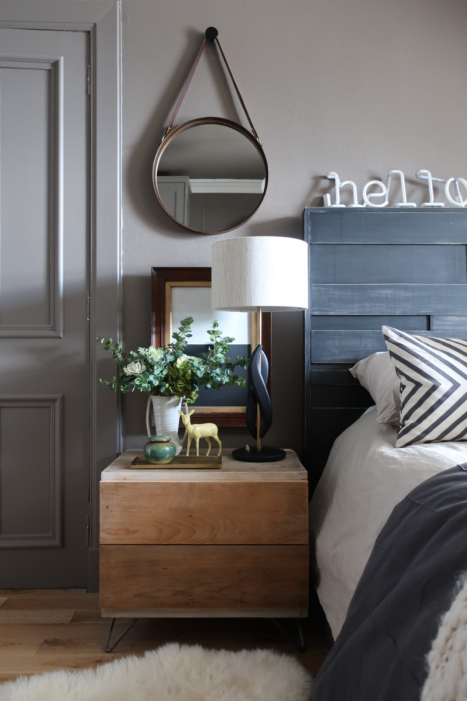 Taupe bedroom walls