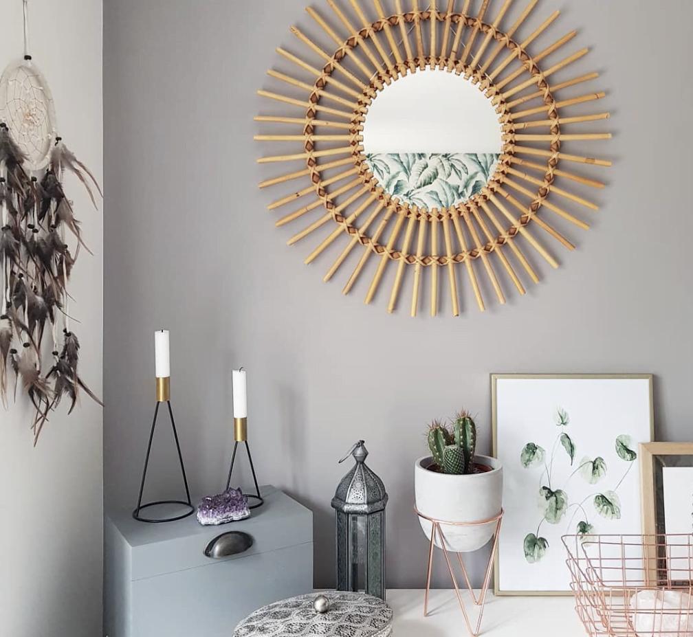 neutral wall decor