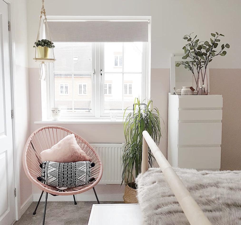 Pink scandal bedroom