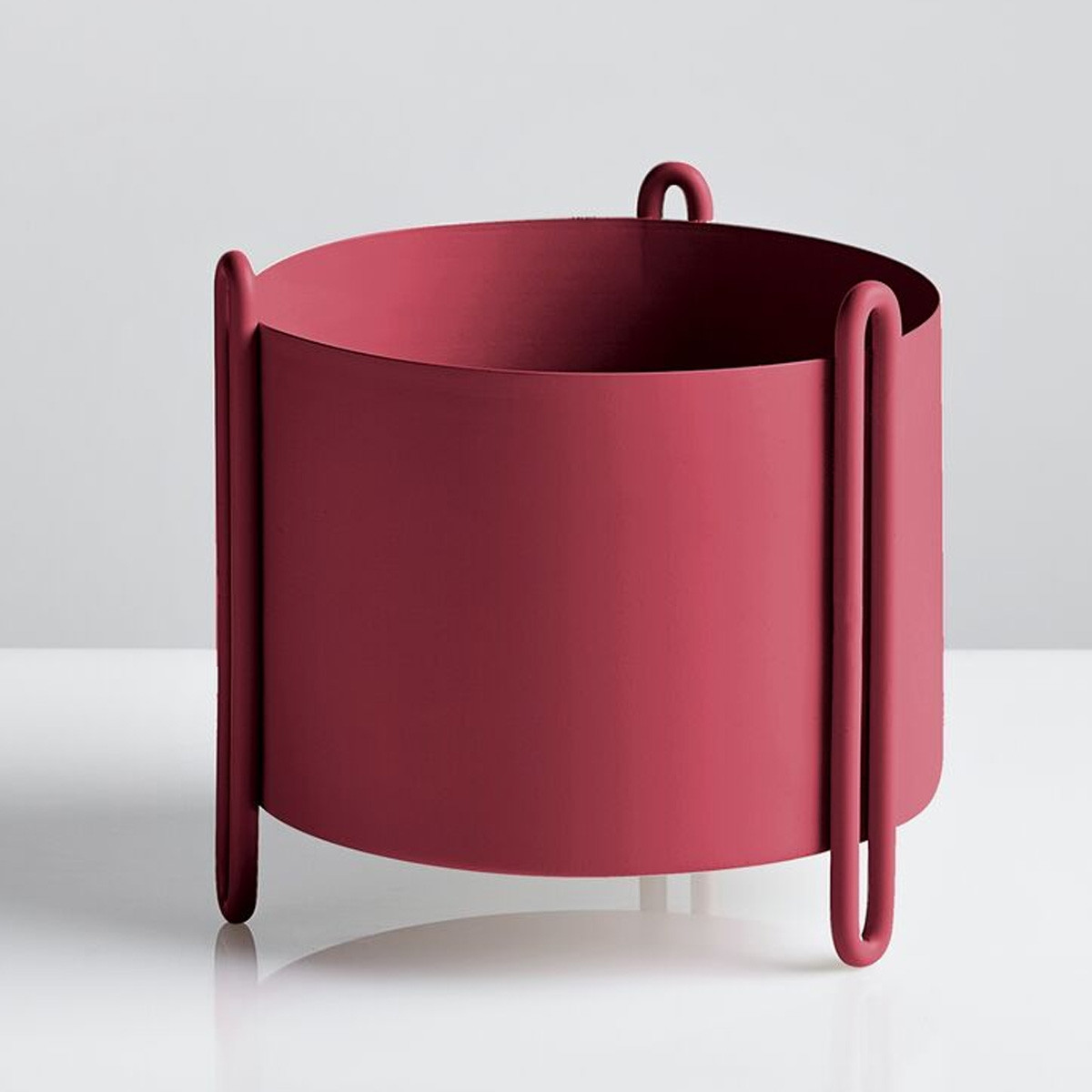 small red Woud Pidestall Flowerpot